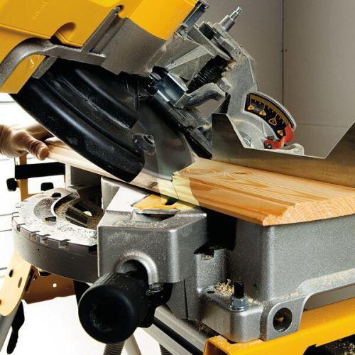 Scie à onglets sur table supérieure 1600W 305 mm en boite carton - DEWALT - D27113 pas cher Secondaire 7 L