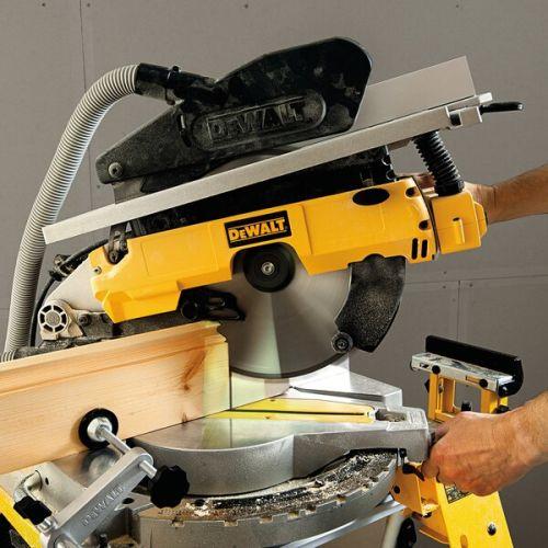 Scie à onglets sur table supérieure 1600W 305 mm en boite carton - DEWALT - D27113 pas cher Secondaire 6 L