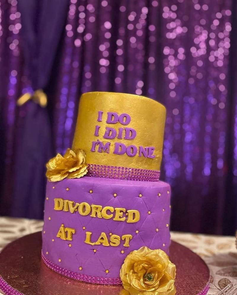 Nigerian Lady Throws A Party To Celebrate Her Divorce