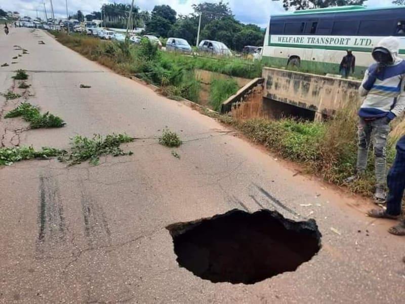 A Sinkhole Along The Kaduna-Zaria Expressway
