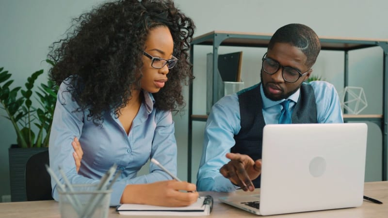 How To Be Financially Independent As A Nigerian Civil Servant