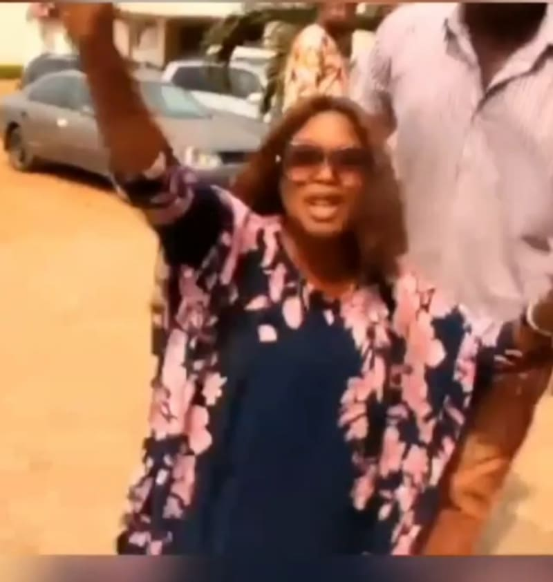 Nigerian Woman Storms Husband's Secret Wedding To Another Woman In Abia