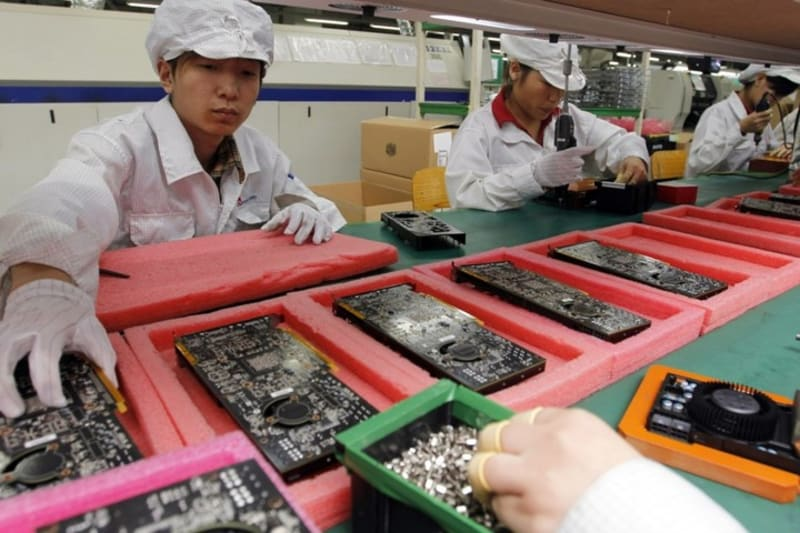 apple prompts furious backlash after failing to get it right in china - again