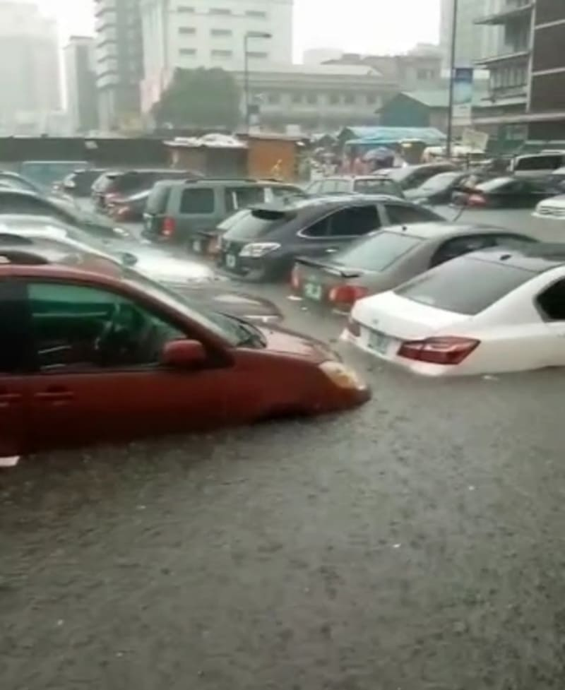 Many Cars Submerged In Lagos Flood After Heavy Downpour (Video)