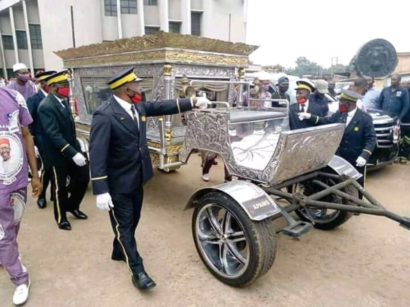 Photos From Burial Of Late Billionaire, CEO Of Tonimas Oil And Gas