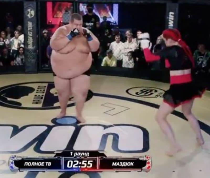 Lightweight Woman Knocks Out 529-pound Man To Win Inter-gender 'freakshow' Fight