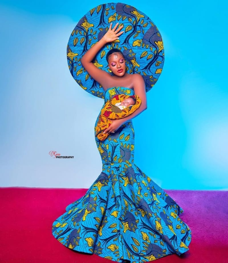 """""""My Life In Pixels At 33+"""" - Actress Chacha Eke & Her Children"""