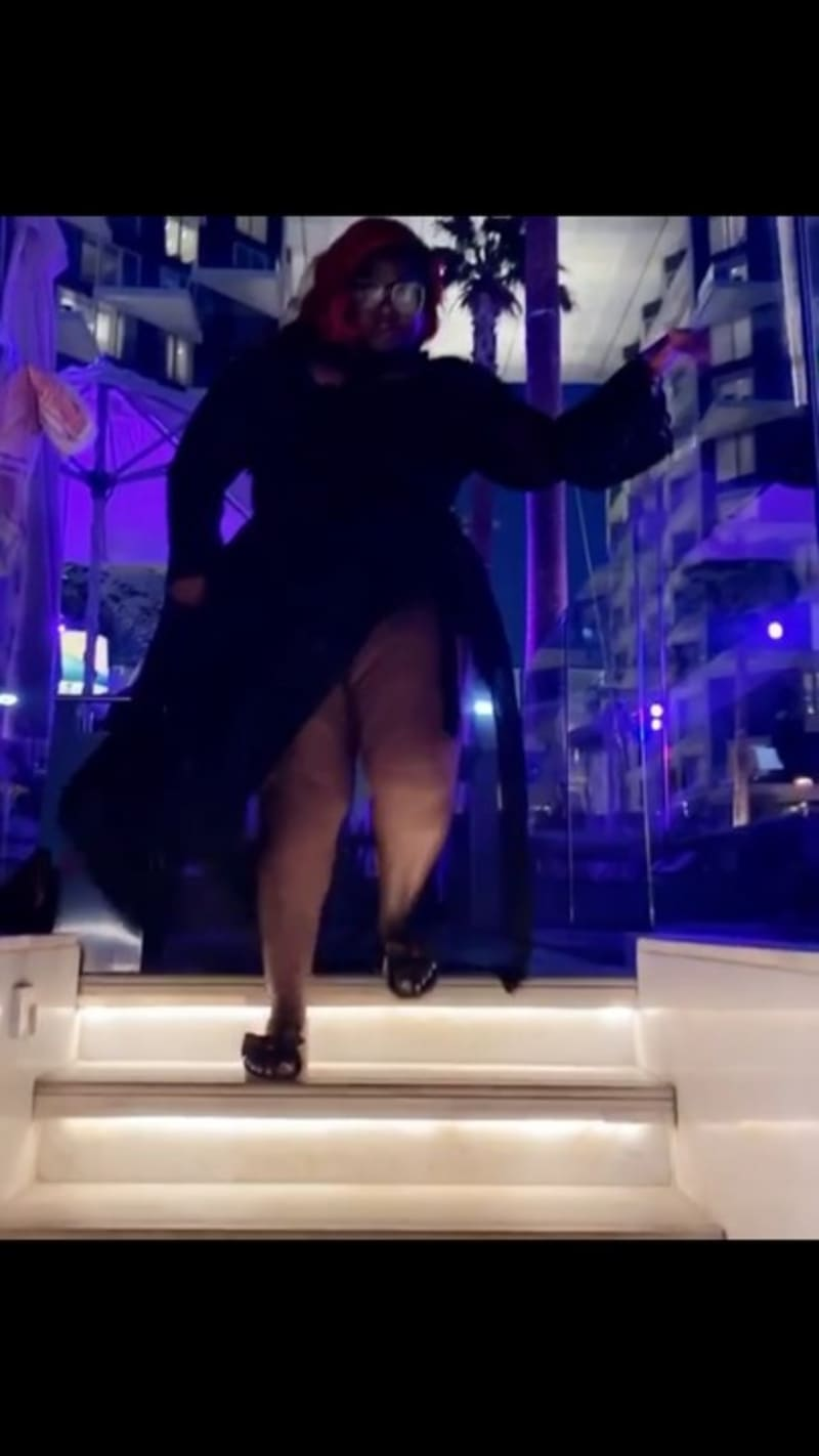 Actress Eniola Badmus Flaunts Her Thigh And Boobs In A New Video