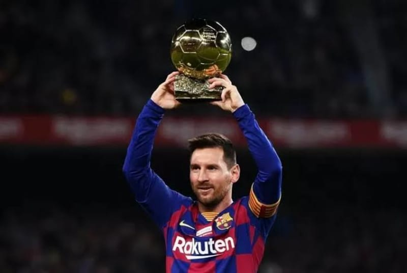 Messi Pauses His Renewal With Barca & Wants To Leave At End Of Next Season