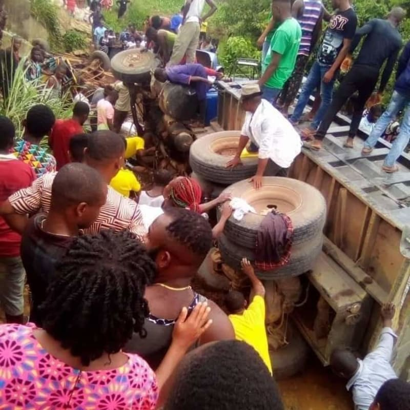 Trailer Loses Brake In Imo, Crushes 20 Women To Death
