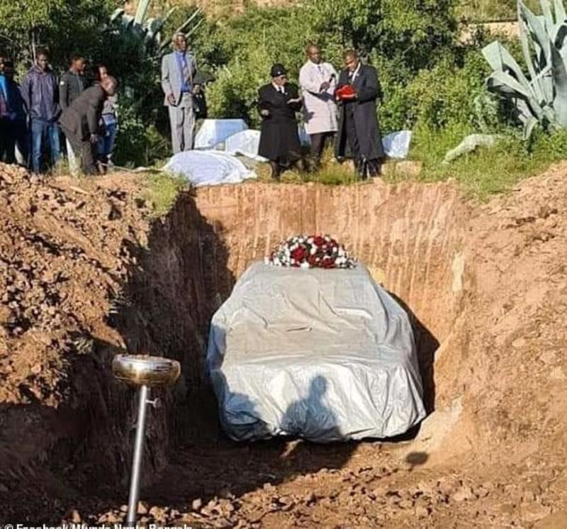 South African Businessman & Lover Of Mercedes Benz Buried With His Car