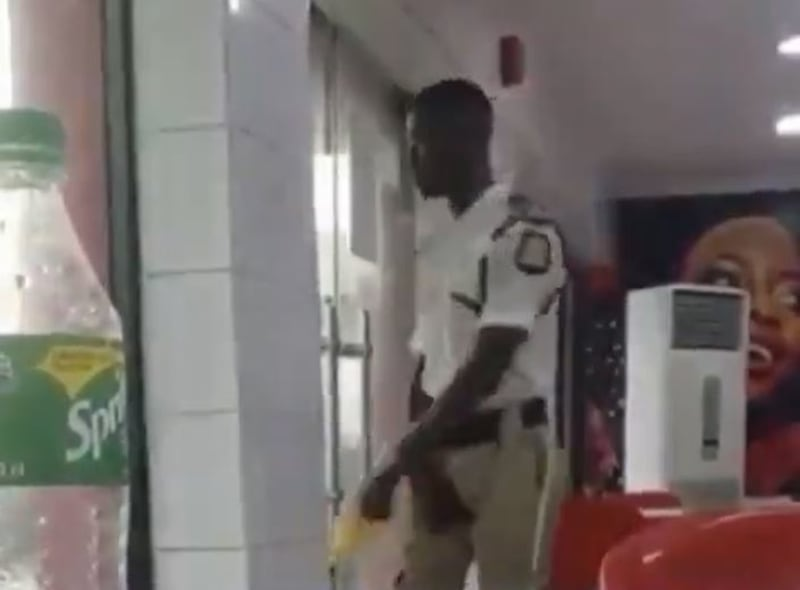 Door Attendant At An Eatery Dances While Doing His Job (Video)