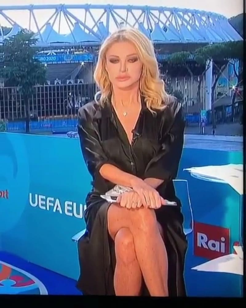 Video Of Euro 2020 TV Presenter, Paola Ferrari's Leg-Crossing On TV Goes Viral