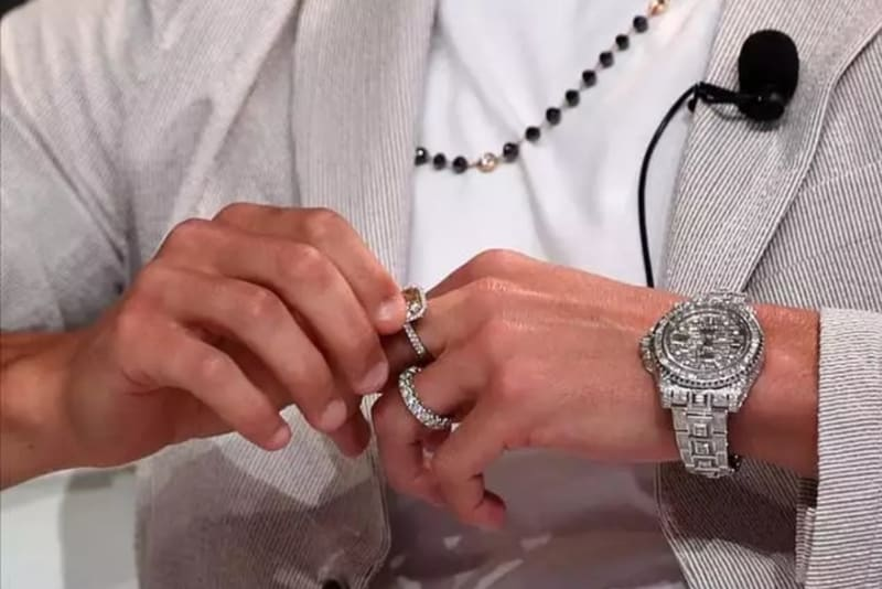 Cristiano Ronaldo Drips In Diamonds Worth N256 Million At Dubai Soccer Awards