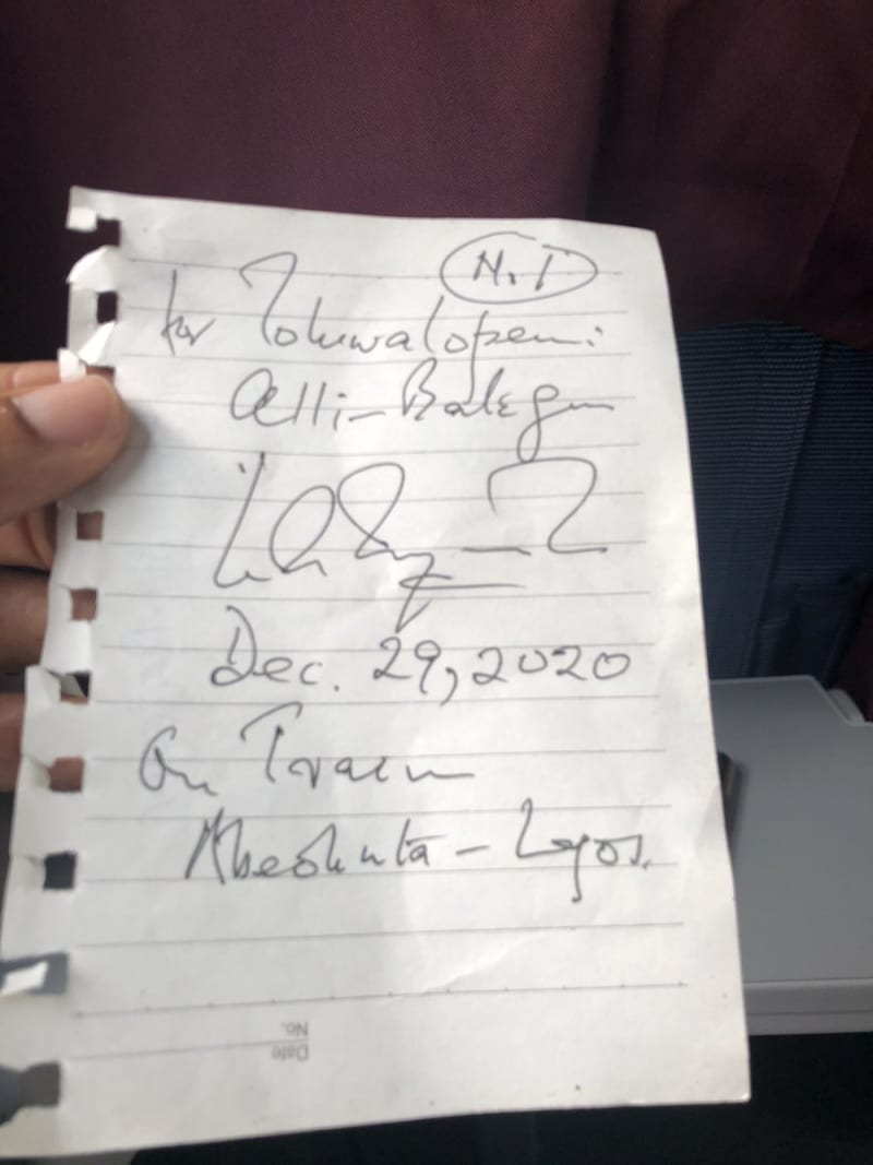 Boy Approaches Wole Soyinka During Train Ride, Asks For His Autograph (Video)