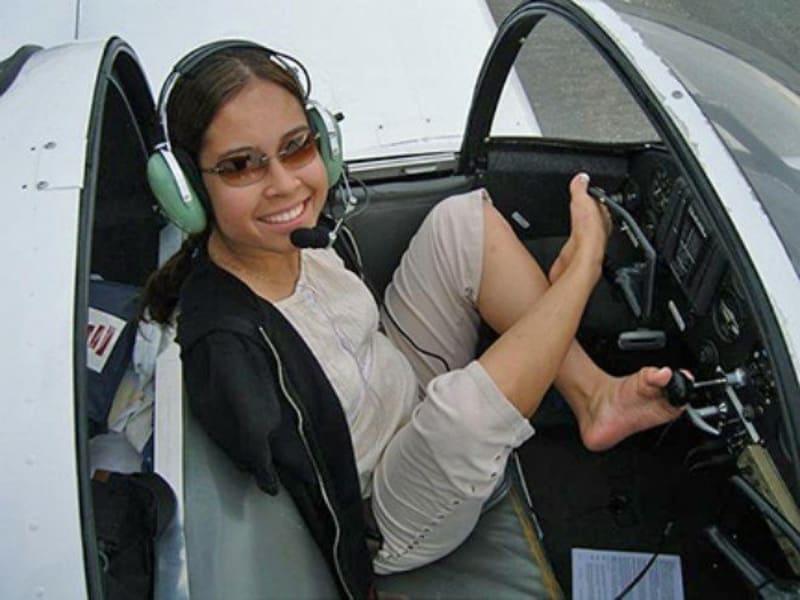 Jessica Cox: Meet The First Armless Pilot That Flies Plane With Her Feet