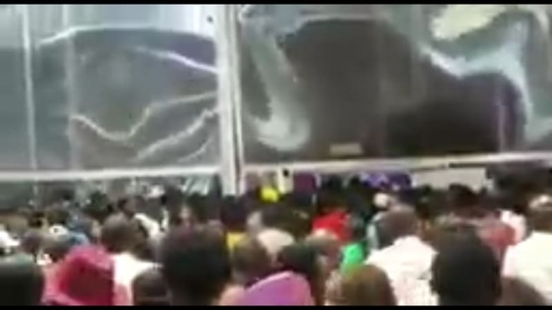 Gtbank Fashion: Angry Crowd Breaks Wall To Enter Event