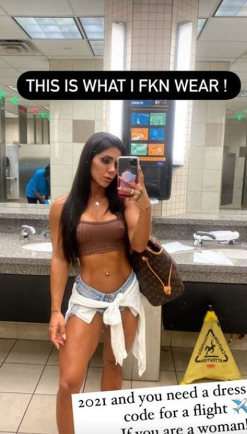 Fitness Model Model Stopped From Boarding A Plane For Wearing This Outfit