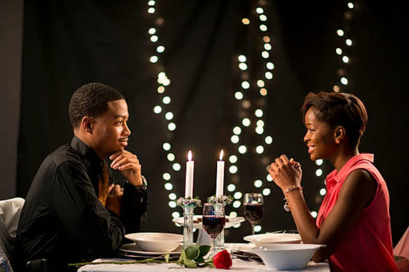 6 Things Ladies Should Never Do On A First Date