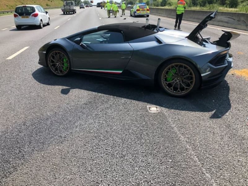 Driver Crashes New £200,000 Lamborghini Just 20 Minutes After Acquiring It