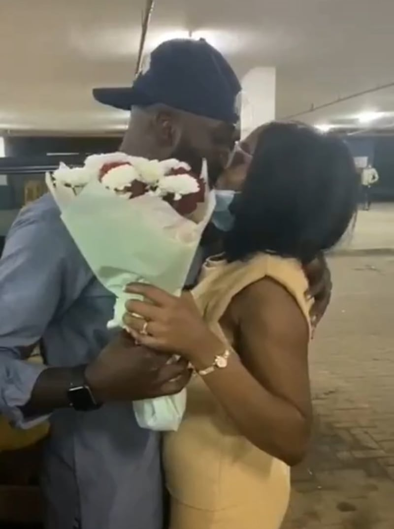 Gedoni Welcomes Khafi With A Passionate Kiss As She Returns To Nigeria From UK