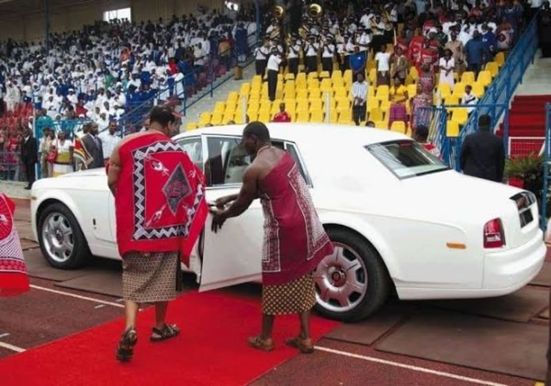 Swaziland's King Acquires 120 BMWs For 15 Wives And 23 Kids