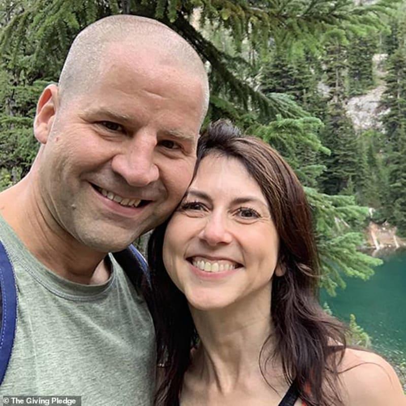 Billionaire Ex-Wife Of Jeff Bezos Remarries, Weds A Private School Teacher