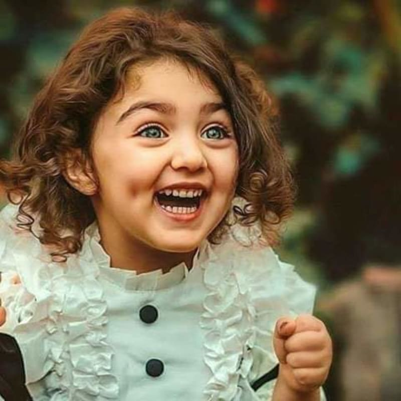 Little Iranian Girl Whose Smile Was Declared The Most Beautiful In The World
