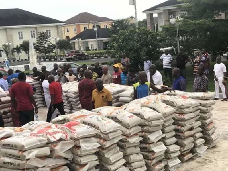 Innoson Shares 1000 Bags Of Rice, Gifts Anambra An Ambulance