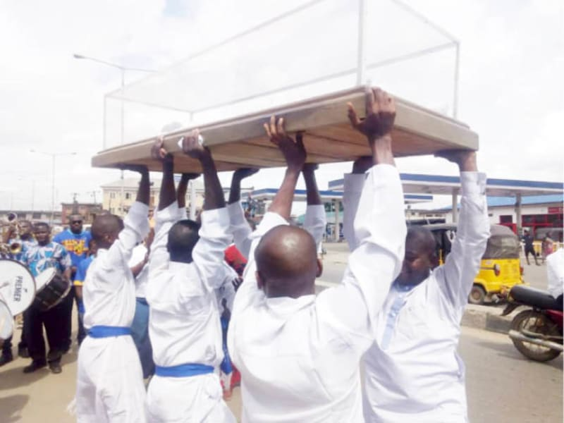 "Pall Bearers: How ""Fearless"" Men Are Making Brisk Business From The Dead"