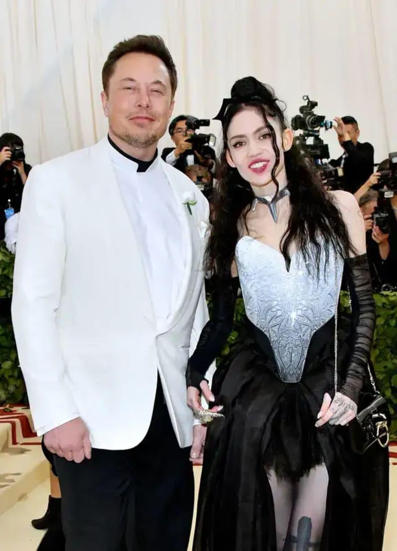 World's Richest Man, Elon Musk And His Girlfriend Grimes Breakup