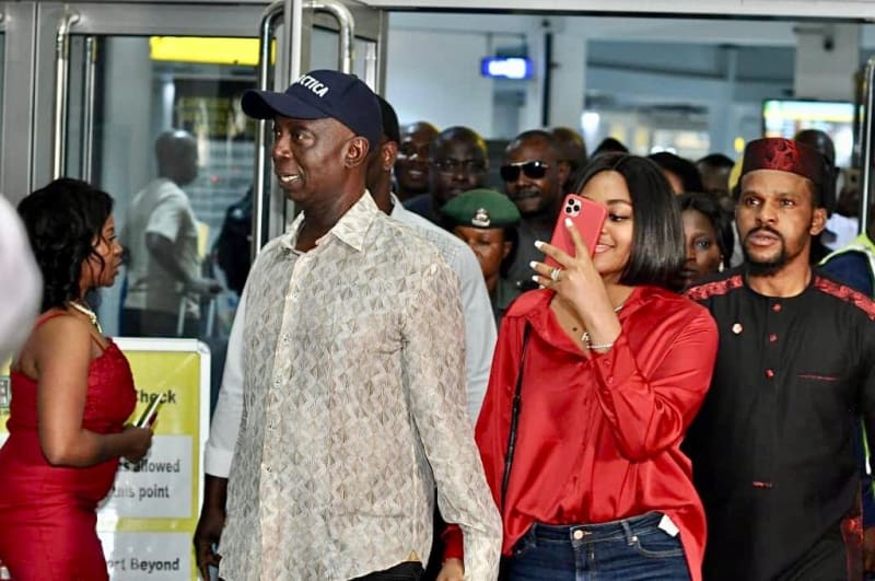 Nigerians Storm Abuja Airport To Welcome Ned Nwoko, Regina Daniels To Nigeria