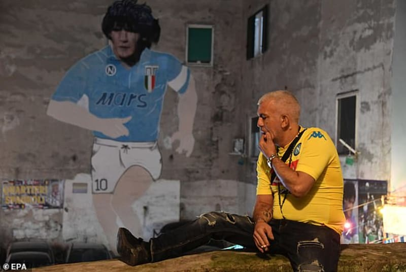Maradona Is A 'god' In Naples City - People Weeping Like Zombies In The Streets