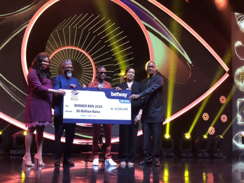 BBNaija: Laycon Receives N30 Million Cheque And Other Prizes (Video)