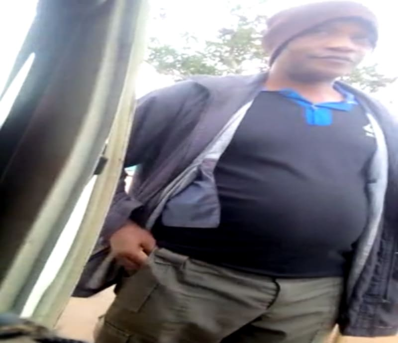 Policemen Caught Taking Bribe, Giving 'Special Number' To Motorists (Video)