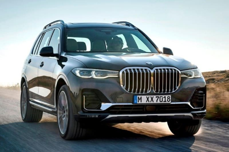 BMW finally dethrones its ach-rival Mercedes as the highest seller of luxury car