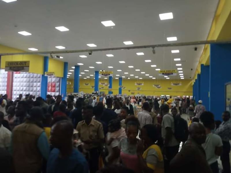 Residents Storm New Osun Mall As It Opens