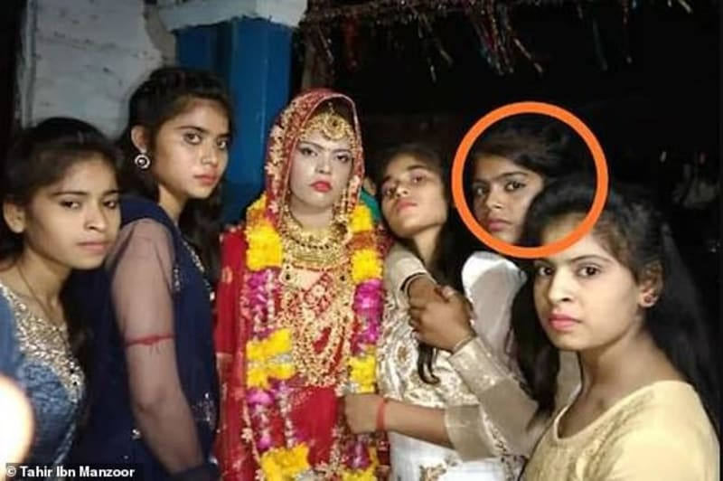 Indian Bride Dies At Her Wedding, The Groom Marries Her Sister At Same Ceremony