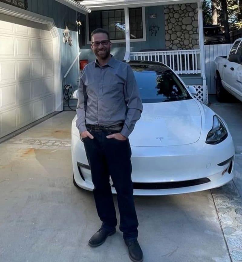 Tesla Driver Who Brags About The Car's Autopilot Feature, Dies In A Horror Crash