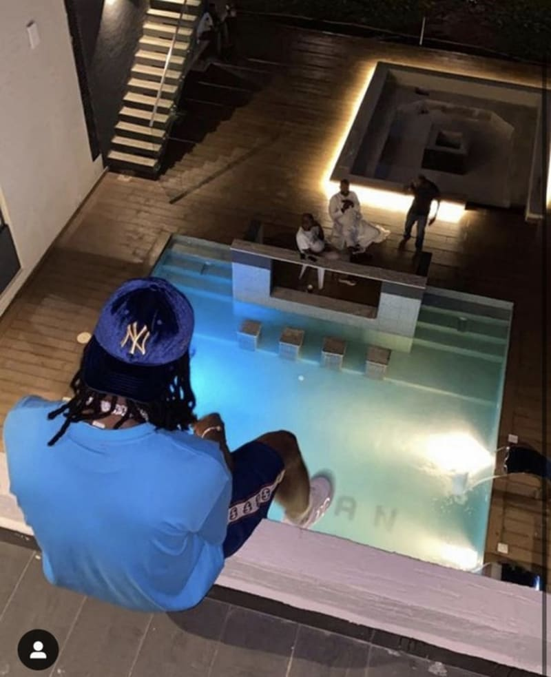 Burna Boy Buys A Mansion With 8 Rooms And Swimming Pool In Lekki (Video)