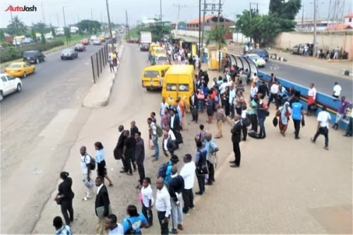 despite the introduction of over 800 buses, this still happens in lagos