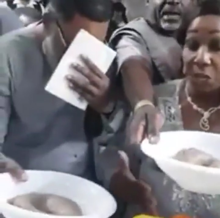 guests dragging hot amala at an event abroad (photos)