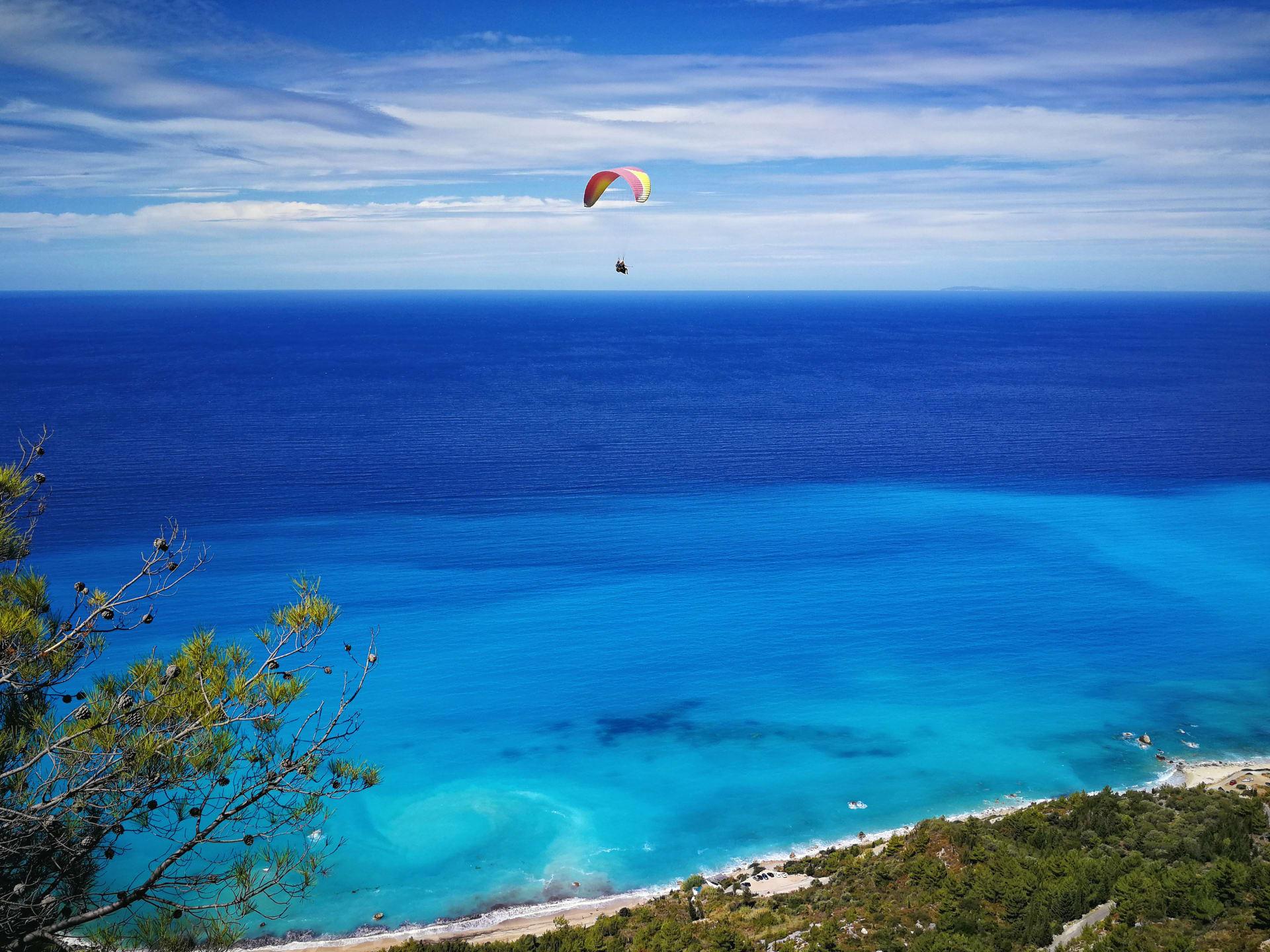 paragliding in Agios Nikitas Lefkada