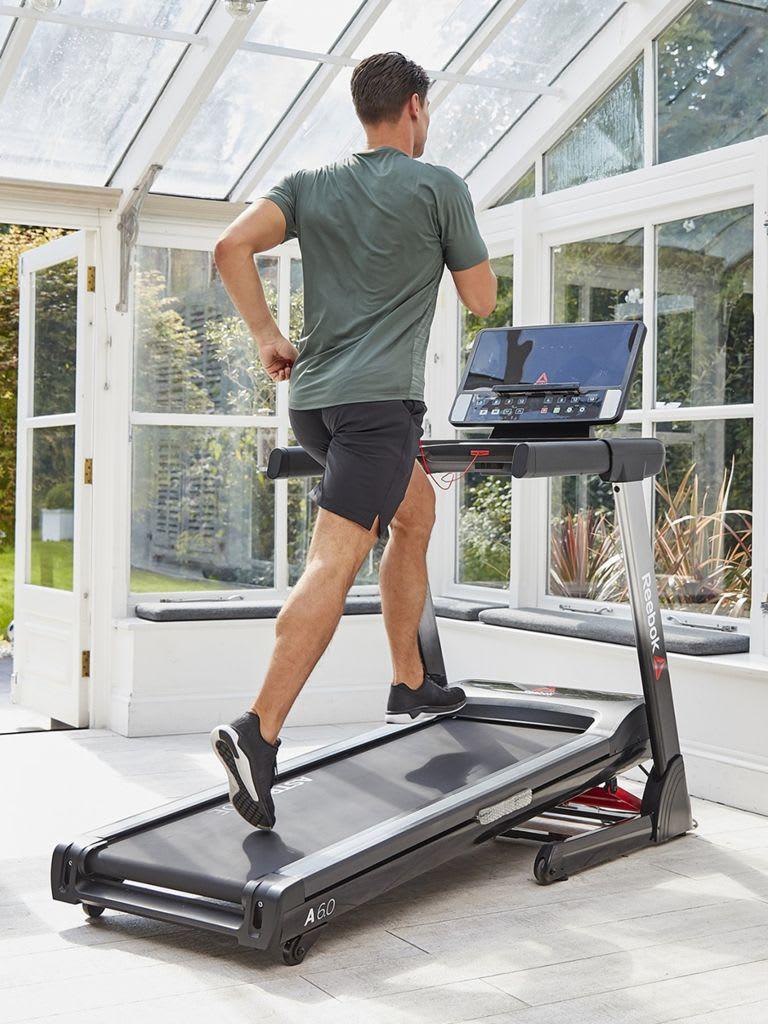 2 HP Folding A4.0 Treadmill