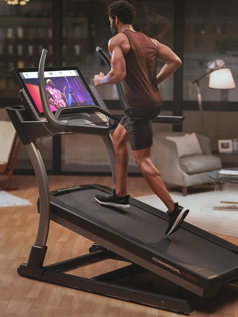 Commercial X32i Incline Trainer