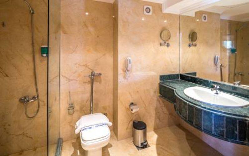 Properties/2829/u0evnh0vcuomaurmaprt.jpg