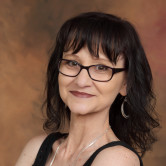 Photo of Julie Yalotz