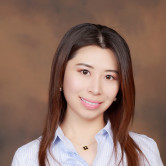 Photo of Elaine Zhou