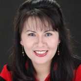Photo of Theresa Nguyen