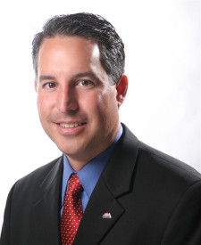 Photo of Andrew Garza